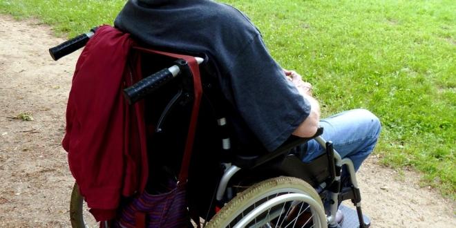 uscire con qualcuno in sedia a rotelle